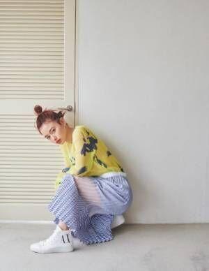"""山本舞香 """"艶っぽい""""春ファッション4選"""