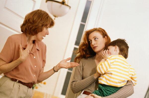 「私の時代は当たり前」… 義母に言われて「イラッとした言葉」4選