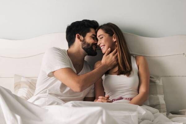 君のことが大好きだから… 男性が「本命女性だけに」するキスって?