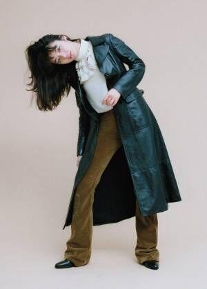 """池田エライザ シックに…ロングコートで魅せる""""冬スタイル"""""""