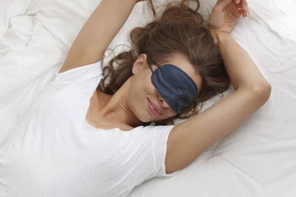 マスクで目元のアラに視線集中!…即試すべき「大人の簡単アイケア」