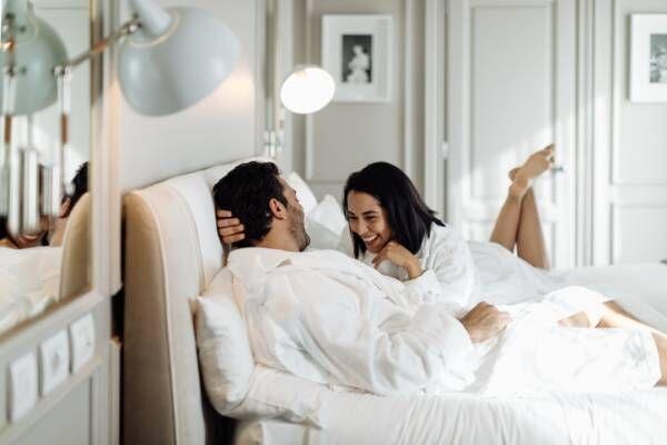 堂々とホテルに… ステイホーム中不倫相手と会う男性の「卑劣な手口」4選