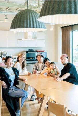 """血縁関係の枠組みに囚われない、新しい家族のかたち""""拡張家族""""とは?"""