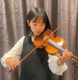 CMで話題の中学生・當真あみ「音楽は生活の一部」 3歳からバイオリンに励む