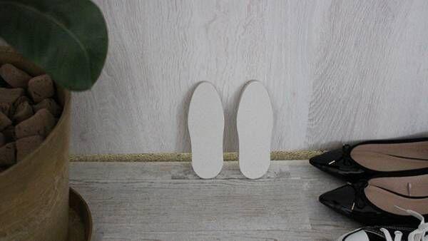 気になる靴のニオイをなかったことに!珪藻土パワーで毎日のシューズケアを。[PR]