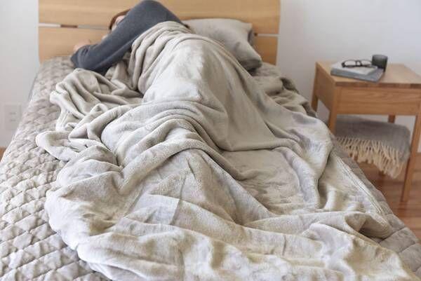 シリーズ累計30万枚突破!伝説の「#朝ベッドから出られなくなる毛布」が今年も登場しました[PR]