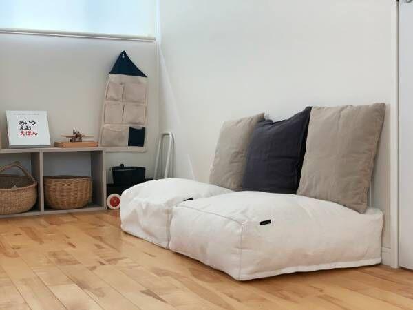 出し入れ簡単!掛け布団収納ケース。シーズンオフの布団が子供部屋のソファに変身。[PR]