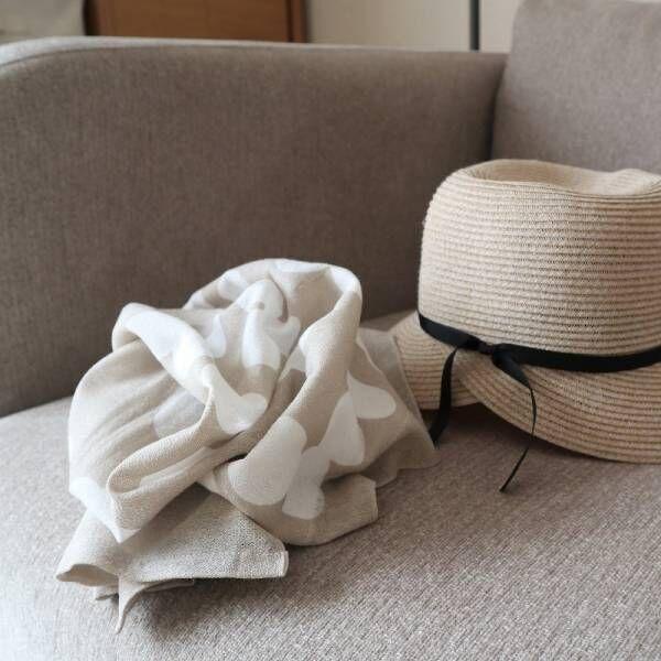 暑い夏を巻いて涼しく、人気のひんやりタオルをスタッフが試してみました。
