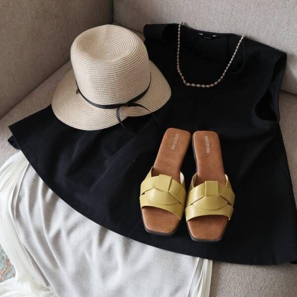 気兼ねなく履けるのがいいところ、こんな日に履きたい毎日サンダル。[PR]