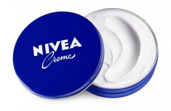 伝統の青缶ニベアが再ブレーク!世代を超えて愛されるニベアの凄さ