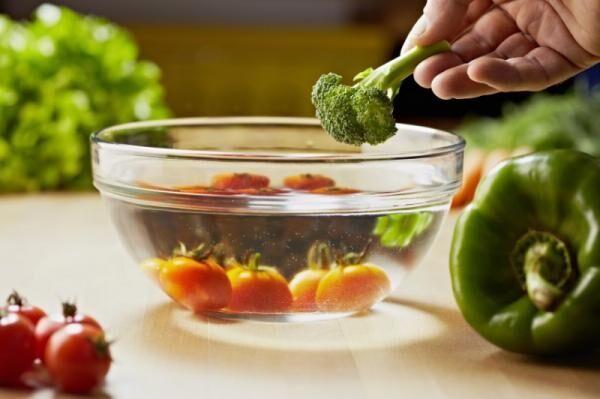 野菜がおいしく新鮮になる「50℃洗い」テクニックとは?