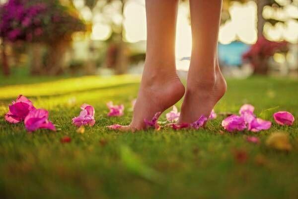 春ケアでサンダルが似合う足に♡自宅で簡単「つるつるかかと」の作り方