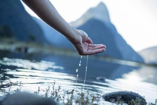 水を飲むだけ!?毎日続けられるエイジングケアの方法って?