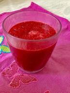 春に向けて女子力アップ!一杯の真っ赤〜なジュース。