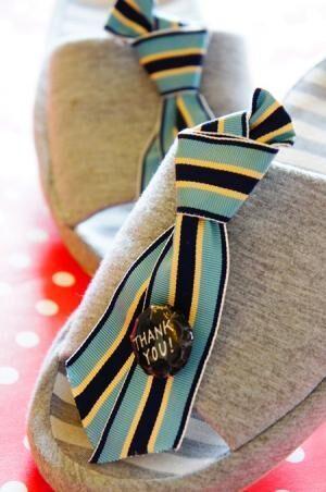 リボンなネクタイ風ブローチで・・・父の日ギフト、ハンドメイドアイデア♪