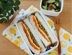 思い出の味No.1!「カレーそぼろと大葉のサンドイッチ」弁当