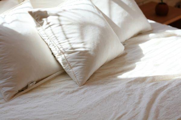 朝の一手間で帰宅後うっとり♪理想の寝室をキープする習慣3つ