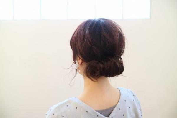 首元スッキリで暑さ軽減!簡単まとめ髪ヘアアレンジ