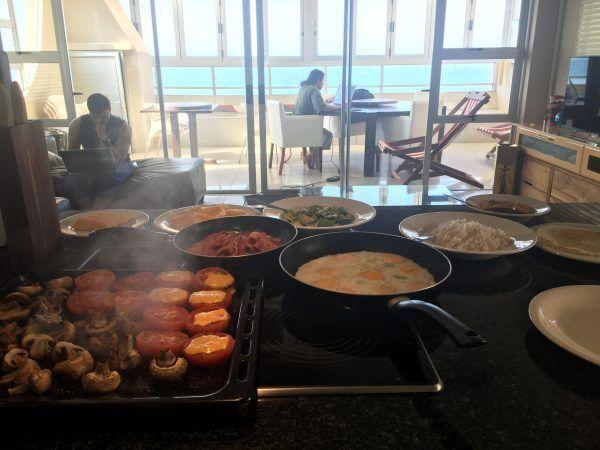 「海辺で手作り朝食ブッフェ」