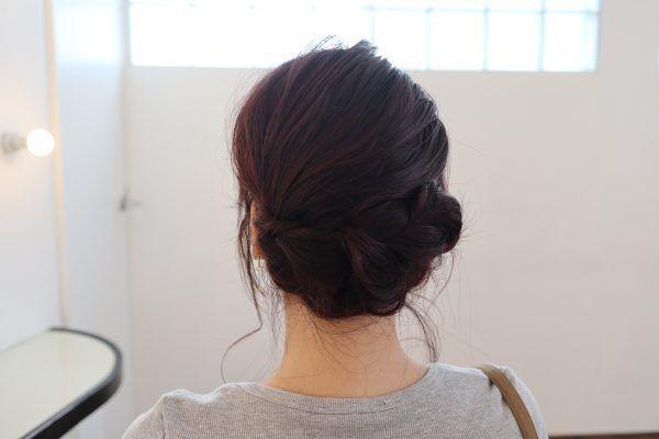 編むだけで簡単♪ゆるふわ「三つ編み」まとめ髪アレンジの作り方