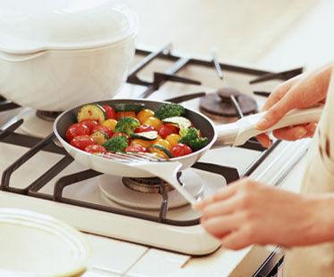 この手があった!毎日のご飯がラクになる「作り置き」家事代行サービスとは