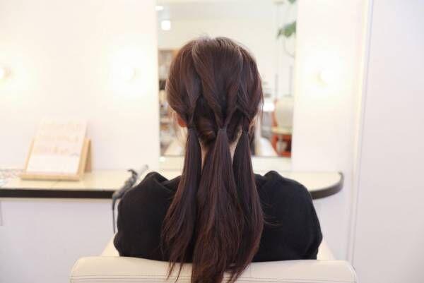 上の髪を3つに分け、それぞれくるりんぱします