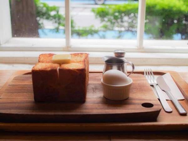 PANYA ASHIYA TOKYOの厚切りバタートースト(¥900・ゆで卵、ドリンク付き)