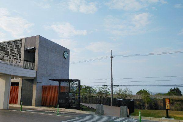 沖縄スタバからの観光地の現在
