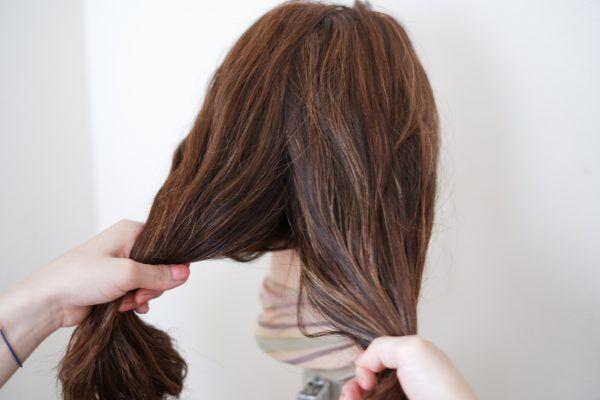 髪を分ける