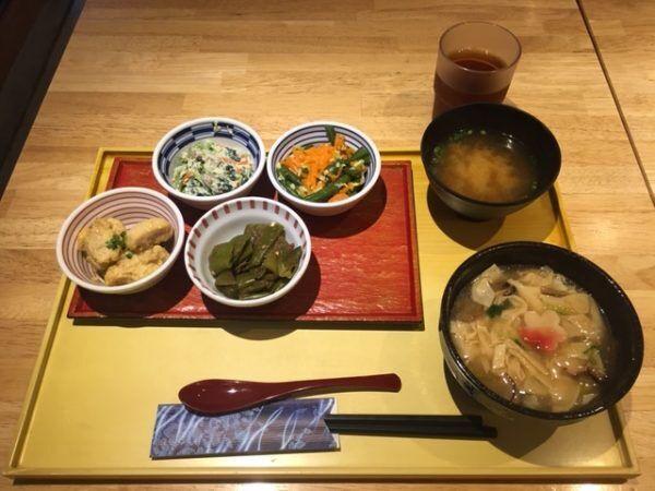 朝からおばんざいが楽しめる「京菜味 のむら」