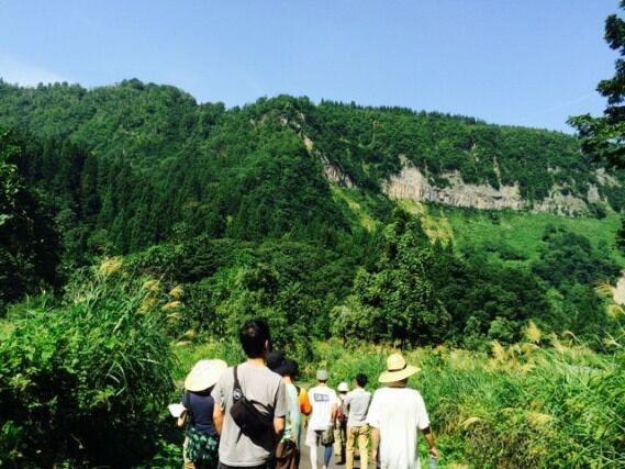 大地の芸術祭とKEENがコラボ!紅葉とアートを満喫できる里山ウォーキングイベント開催
