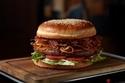 超特大ハンバーガーは通常の5倍サイズ!グランドハイアット東京に豪快&贅沢な肉メニュー登場