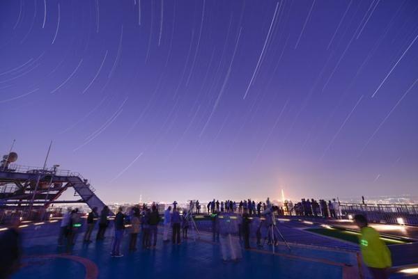 春の夜空に輝く木星を観測!六本木ヒルズ展望台で「木星衝観望会」初開催