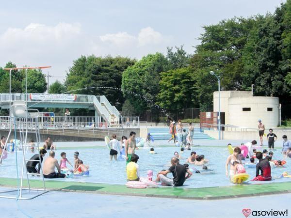 東京・青梅市の東原公園水泳場で夏のプールを満喫しよう!スライダーは迫力満点!