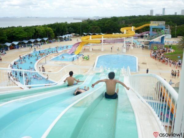 千葉・稲毛海浜公園プールで都会のリゾートを堪能しよう!プールと海で楽しさ2倍!