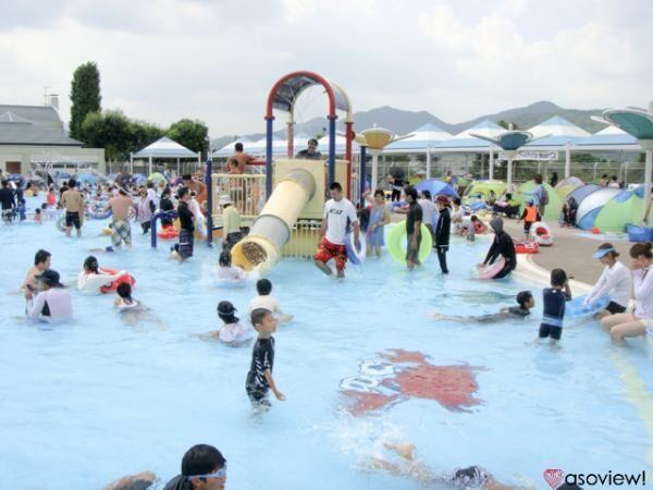 自然の中で空気がおいしい!亀岡運動公園プール(かめプ―)で思いっきりはしゃごう