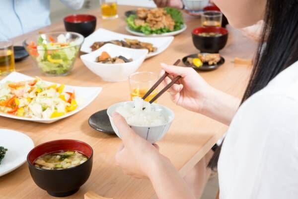 ダイエットや小顔効果も!よく噛んで食べると得られるメリット6つ