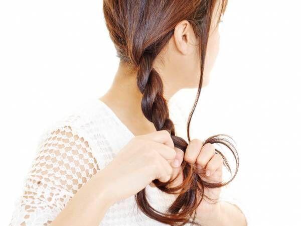 簡単だけど知らない人も多い? こなれヘアアレンジに欠かせない「ねじり編み」の作り方
