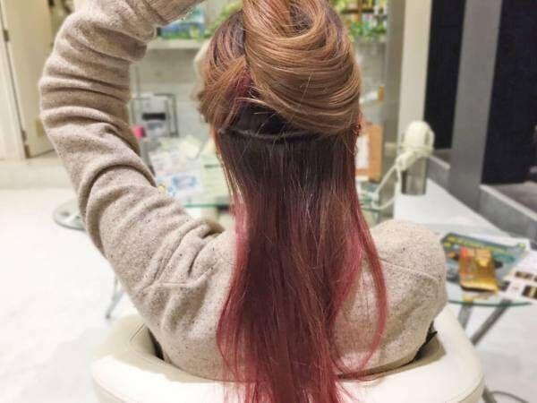 艶ありシンプルまとめ髪。簡単テクでつくる外国人風の美人スタイル