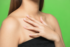 首のリンパマッサージにはどんな効果が?やり方や注意点を解説