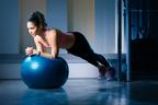 バランスボールで簡単ダイエット!選び方・座り方を専門家が解説