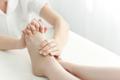 【足の指のツボ】眼の疲れ・肩こり・ストレスに!押し方を簡単解説