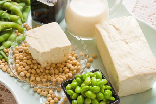 豆腐や豆乳など大豆製品