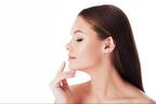 スマホ首を改善して二重あごを予防する3つの方法