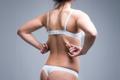 背中の脂肪を落とすために!正しい姿勢やダイエットのコツを紹介