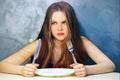 ダイエット中の空腹を紛らわすには?対処法や簡単レシピを紹介