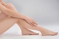 かっさマッサージで美脚を作る!冷えや生理痛の緩和にも効く