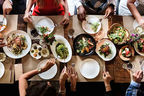 食べ過ぎ防止!外食の際に意識してほしい食事の4つのルール