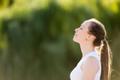 呼吸の仕方を変えるだけ。腹式呼吸で痩せやすい体にチェンジ