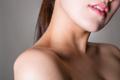 鎖骨のリンパマッサージで、デコルテ美人になる方法教えます